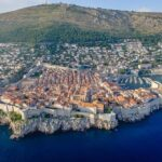 Jak si užít dovolenou v Chorvatsku i v českých městech